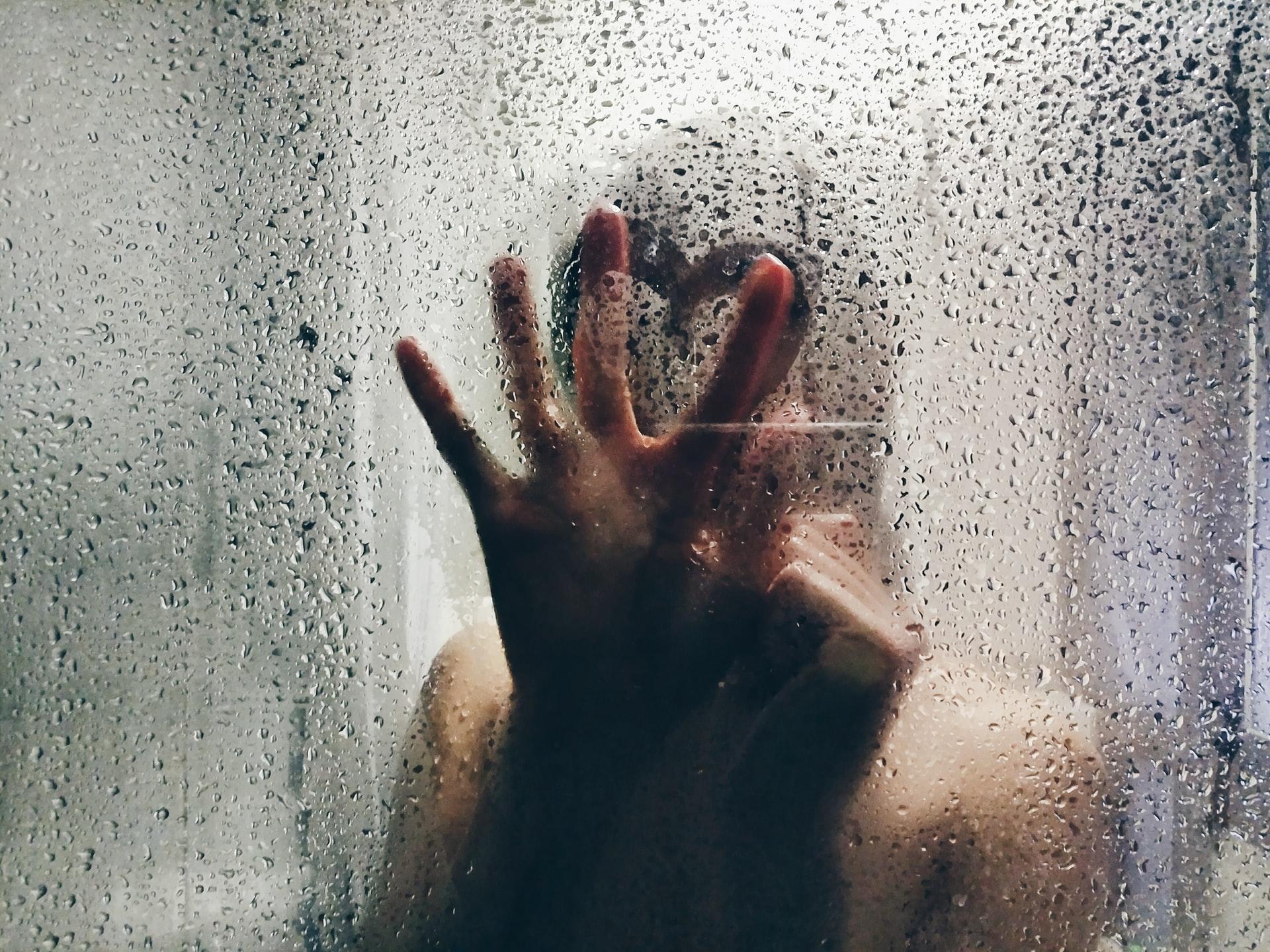 pieszczoty pod prysznicem