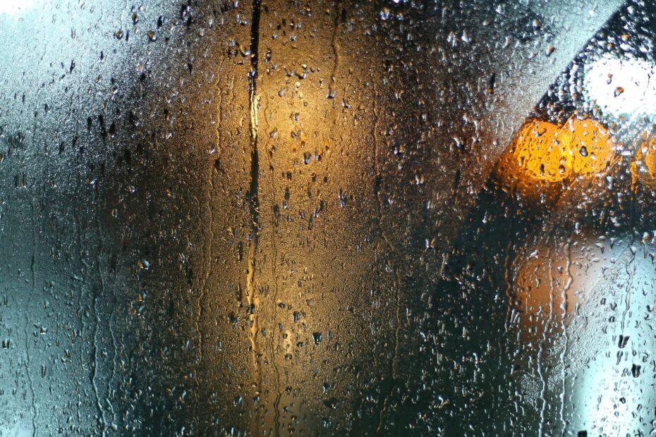 w strugach deszczu erotyczne opowiadanie